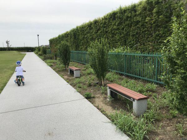 小仙波八反田公園ベンチの写真