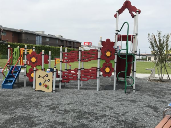 小仙波八反田公園複合遊具広場の写真