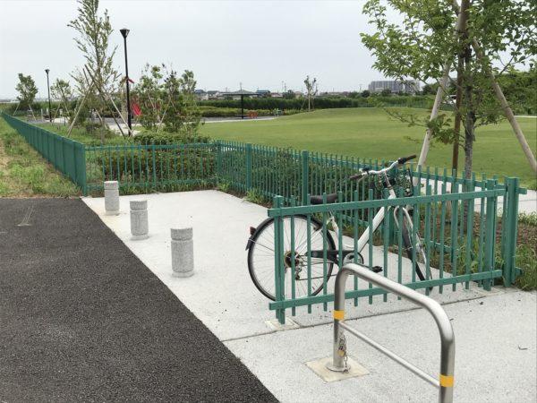 小仙波八反田公園駐輪場写真