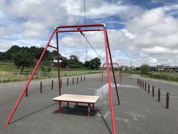 戸崎公園子ども広場の遊具写真