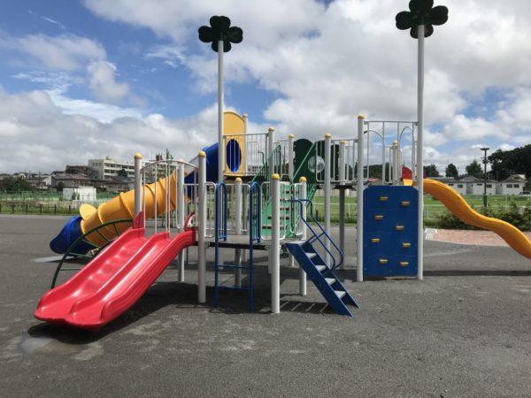 戸崎公園の複合遊具の写真