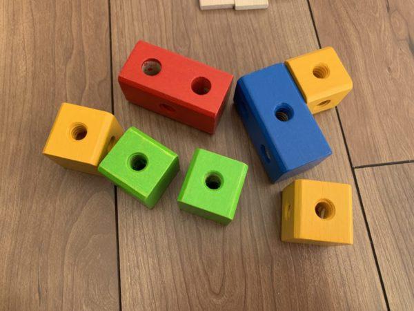 アイヒホーントラックセットの立体ブロックの写真